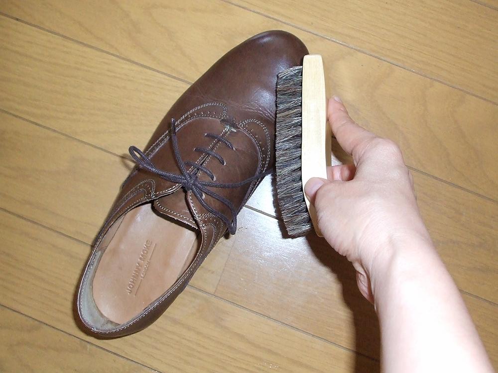 靴洗う ブラッシング