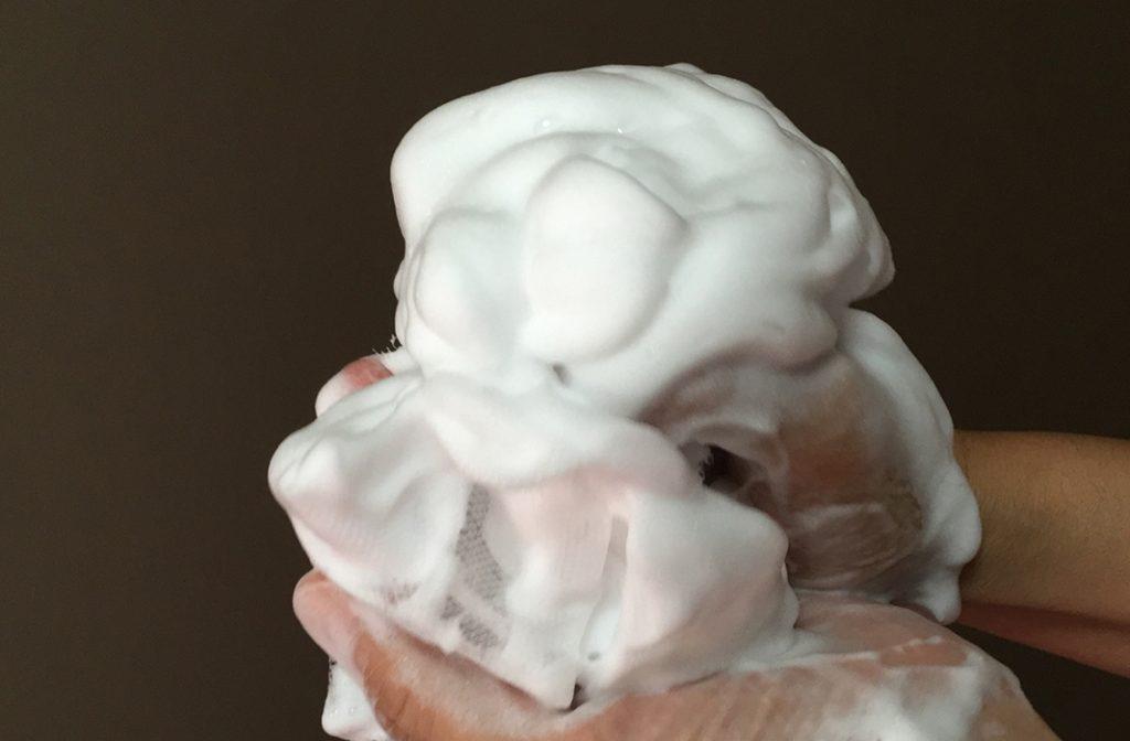 汗臭い 女 泡で洗う